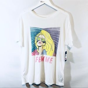 Guess Femme T shirt NWT
